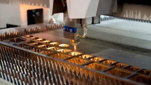 Sản xuất những loại tấm thép đục lỗ