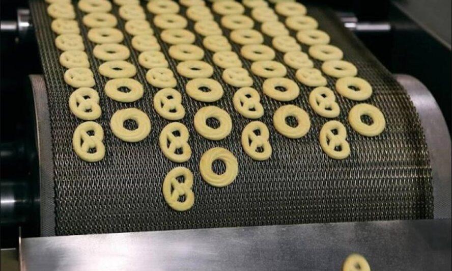 Lưới băng tải được ứng dụng trong dây chuyền sản xuất bánh ngọt