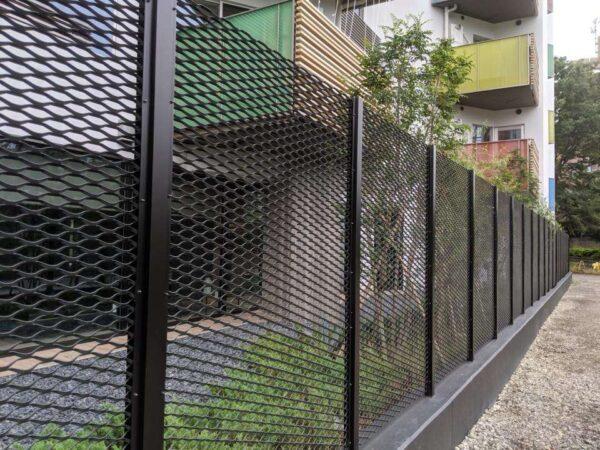 lưới mắt cáo hàng rào cao cấp